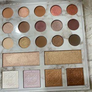 Carli Bybel bh Cosmetics Deluxe Eye Shadow Palette